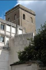 Ancien observatoire de la Marine - Français:   Ancien observatoire de la Marine - Nantes - Depuis la rue de Flandres-Dunkerque-40 vue sur l\'ancien observatoire astronomique de la Marine