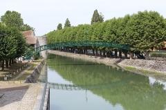 Passerelle de la Marolle - Français:   Passerelle de la Marolle, Montargis.