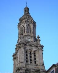 Eglise Saint-Gervais-Saint-Protais -  Avranches (Normandie, France). Le clocher de l'église Saint-Gervais.