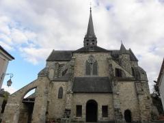 Bâtiment de l'ancien tribunal du bailliage - Façade occidentale de l'abbatiale Saint-Pierre d'Orbais-l'Abbaye (51).