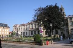 Ancien hôtel abbatial Saint-Rémy - English: Lunéville's town hall, summer 2006, France.