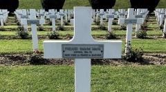 Ossuaire de Douaumont - English: Gabriel Marie Freard corporal's grave in Douaumont Ossuary, close to Verdun, France