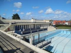 Stade-parc et école de natation - Français:   Plongeoirs.