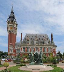 Hôtel de ville - Deutsch: Fotographie der Skulptur Die Bürger von Calais vor dem Rathaus von Calais
