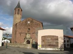 Eglise Saint-Julien-d'Antioche - Français:   Osses clocher de l\'église  (Basse-Navarre) (Pyrénées-Atlantiques) (Pyrénées).