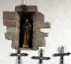 Eglise Notre-Dame de l'Assomption - Français:   Saint dans le porche de l\'église d\'Uhart-Cize (Basse-Navarre) (Pyrénées-Atlantiques) (Pyrénées).