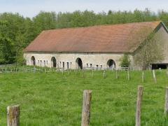 Grange cistercienne de Fontaine-Robert -  Neuvelle-lès-la-Charité (Haute-Saône, France), granges de l'abbaye cistercienne Notre-Dame-de-la-Charité.