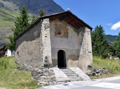 Eglise, chapelles et oratoires - English: Sight of Saint-Étienne chapel of Bessans, built in 1444, in the high Maurienne valley, Savoie, France.