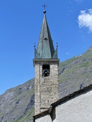 Eglise, chapelles et oratoires - English: Sight of Saint-Jean-Baptiste church bell tower, in Bessans in the high Maurienne valley, Savoie, France.