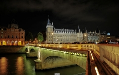 Tribunal de commerce de Paris - English: Conciergerie and pont au Change Paris France