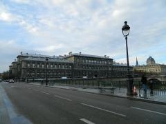 Tribunal de commerce de Paris -  Pont d'Arcole, Hôtel-Dieu et Tribunal de Commerce, Paris, France.