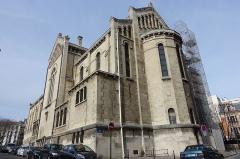 Église Notre-Dame-d'Auteuil - English: Église Notre-Dame-d'Auteuil, a church on the Auteuil hill in the 16e arrondissement de Paris. Address: 4 Rue Corot, 75016 Paris, France.