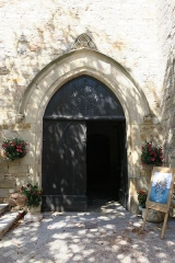 Église Saint-Corneille - English: Puycelsi. Church of Saint-Corneille. South portal.