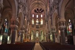 Eglise Saint-Benoît - English:   Intérieur Eglise d\'Aizenay