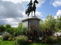 Statue équestre de Napoléon Ier -  Émilien de Nieuwerkerke: Statue équestre de Napoléon Ier, Place Napoléon, La Roche-sur-Yon, France