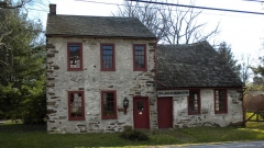 Église Saint-Jacques - English: Blacksmith shop in the Historic District (NRHP) of Marshallton, Chester County, PA. On Strassburg Road near Telegraph Rd. This photo is my own work and I donate it to the public domain