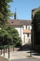 Église Saint-Vincent-Saint-Germain - Deutsch: Katholische Pfarrkirche Saint-Vincent-Saint-Germain in Saint-Germain-lès-Corbeil im Département Essonne (Region Île-de-France/Frankreich)