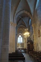 Église Saint-Vincent-Saint-Germain - Deutsch: Katholische Pfarrkirche Saint-Vincent-Saint-Germain in Saint-Germain-lès-Corbeil im Département Essonne (Region Île-de-France/Frankreich), Seitenschiff