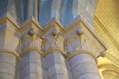 Église Saint-Vincent-Saint-Germain - Deutsch: Katholische Pfarrkirche Saint-Vincent-Saint-Germain in Saint-Germain-lès-Corbeil im Département Essonne (Region Île-de-France/Frankreich), Kapitelle