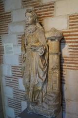 Hôtel de Vauluisant - statue de sainte Barbe provenant de l'église saint Martin-es-Vignes.