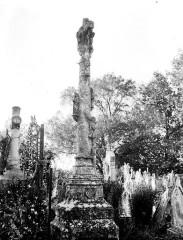 Croix de cimetière -