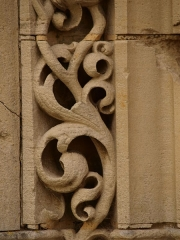 Eglise - Français:   Charbogne (Ardennes, France); église Saint-Rémi: détail du portail.