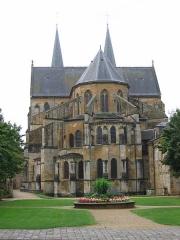 Eglise abbatiale Notre-Dame - Choeur vue exterieure Abbatiale Mouzon Ardennes France