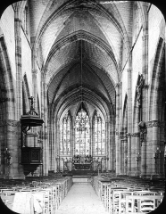 Eglise Saint-Loup -  St. Loup, Chalons, France, 1903. St. Loup nave from entrance; Series 1903. Brooklyn Museum Archives, Goodyear Archival Collection (S03_06_01_003 image 1637).  Help us map this image by using Suggestify to suggest a location for it.
