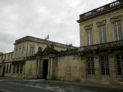 Hôtel des Intendants de Champagne -  Marne Chalons-En-Champagne Prefecture Entree 21062016