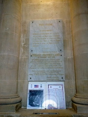 Hôtel de ville -  Marne Chalons-En-Champagne Mairie Peristyle Plaque Au Soldat Inconnu Americain 21062016