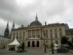 Hôtel de ville -  Marne Chalons-En-Champagne Mairie Place Foch 21062016