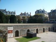 Forum romain (vestiges de l'ancien) -  L'horreum de la Place du Forum — Reims, Champagne-Ardenne, France