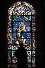 Eglise Saint-Pierre-Saint-Paul - Deutsch: Katholische Kirche Saint-Pierre-Saint-Paul in Chennevières-sur-Marne im Département Val-de-Marne (Île-de-France/Frankreich), Bleiglasfenster
