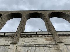 Aqueduc des Eaux de Rungis (également sur communes de Rungis, Fresnes, L'Hay-les-Roses, Cachan, Arcueil et Paris 14) - Français:   Aqueduc Médicis, Arcueil.