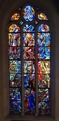 Eglise Saint-Pierre-Saint-Paul - Vitrail représentant la vision de St Grégoire de l'Église St Pierre - St Paul d'Ivry sur Seine