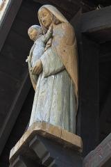 Eglise Saint-Julien-de-Brioude - Deutsch: Katholische Pfarrkirche Saint-Julien-de-Brioude in Marolles-en-Brie im Département Val-de-Marne (Île-de-France/Frankreich), Madonna mit Kind über dem Portal