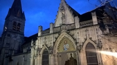 Eglise Saint-Saturnin - Français:   Extérieur de l\'église Saint-Saturnin, à Nogent-sur-Marne.