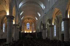 Eglise Saint-Cyr-Sainte-Julitte - Deutsch: Katholische Pfarrkirche Saint-Cyr-Sainte-Julitte in Villejuif im Département Val-de-Marne (Île-de-France/Frankreich), Innenraum