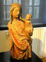 Carmel - Français:   Torse d\'une Vierge à l\'Enfant.