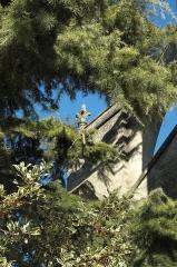 Eglise Notre-Dame de l'Assomption - Deutsch: Katholische Pfarrkirche Notre-Dame de l'Assomption in Champagne-sur-Oise (Département Val-d'Oise) in der Region Île-de-France (Frankreich), Kreuzblume am Strebewerk