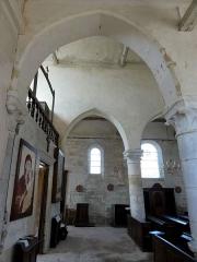 Eglise Saint-Clair - Français:   Bas-côté sud, vue par la première grande arcade.