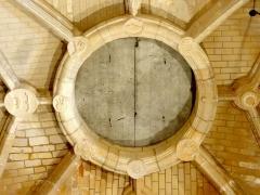 Eglise Saint-Clair - Français:   Voûte de la base du clocher.