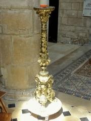 Eglise Saint-Martin - Français:   Chœur, chandelier pascal.