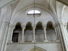 Eglise Notre-Dame -  Triforium d ela prmeière travée du choeur, côté nord.