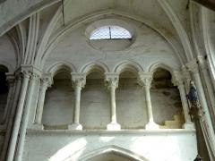 Eglise Notre-Dame -  Triforium de la seconde travée du choeur, côté nord.