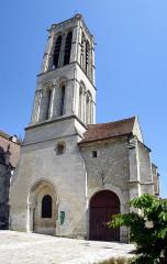 Eglise Saint-Justin et tour Saint-Rieul qui lui sert de clocher -