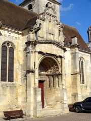 Eglise et chapelle funéraire - Français:   Église Saint-Rémi de Marines - voir titre.