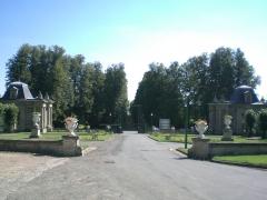 Château de Franconville -  allée du Chateau de franconville à  saint martin du tertre