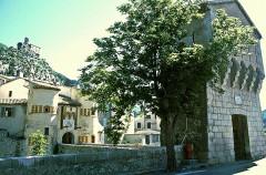 Fortifications et citadelle -  Entrevaux: Porte Royale