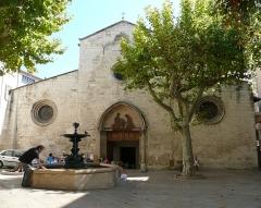 Eglise Saint-Sauveur - Français:   Façade ouest de l\'église St Sauveur de Manosque